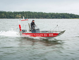 faster-work-boats-440T-17-e-04