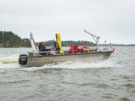 faster-work-boat-73cat-scw-18-act-e-03