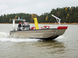 faster-work-boat-73cat-scw-18-act-e-04